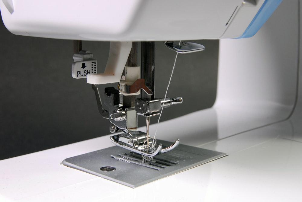 singer sewing machine simple