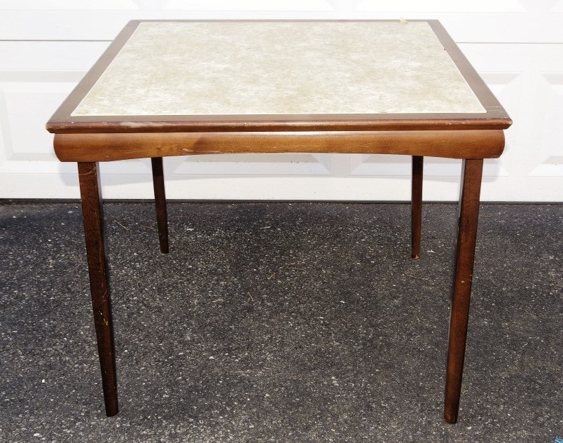 Incroyable Vintage Wooden Card Table With Vinyl Top ...