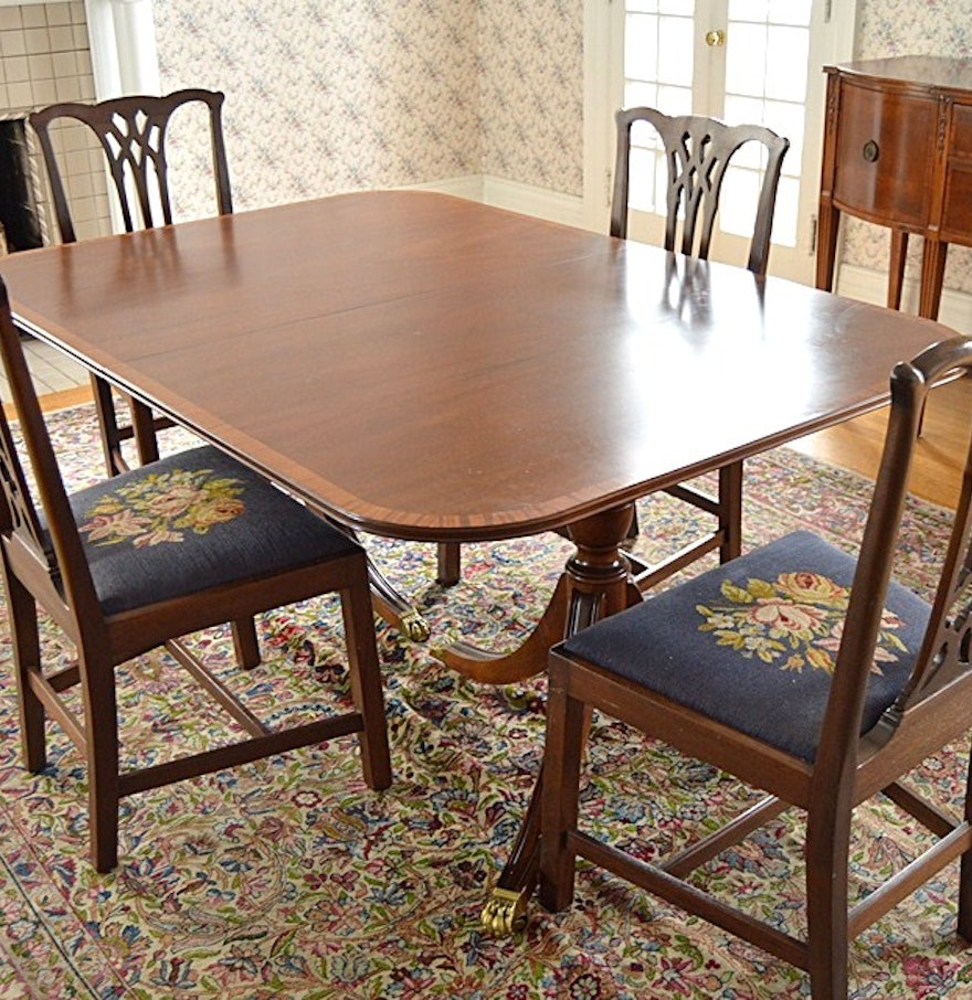 vintage duncan phyfe mahogany dining table and chippendale chairs ebth. Black Bedroom Furniture Sets. Home Design Ideas