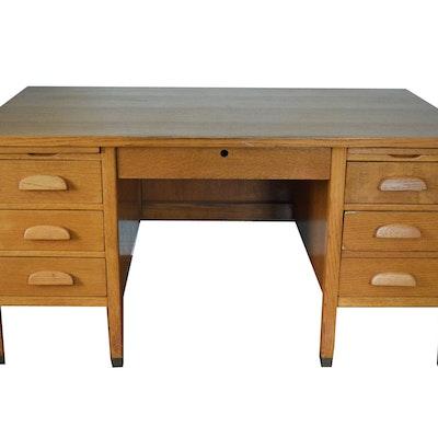 Vintage Oak Desk - Vintage Desks, Antique Desks And Used Desks Auction In Indian Hill