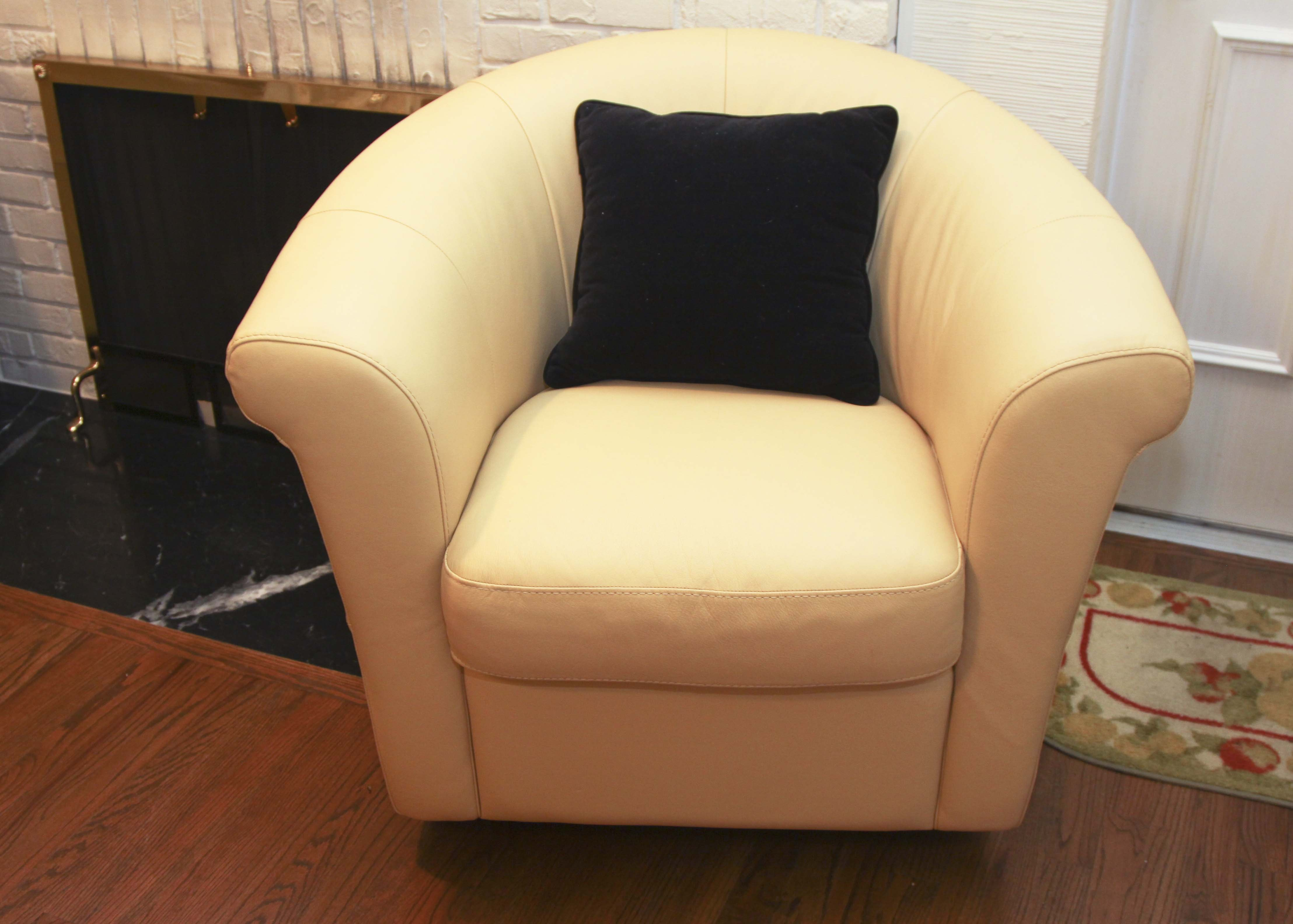 Italsofa Buttercup Yellow Leather Swivel Chair ...