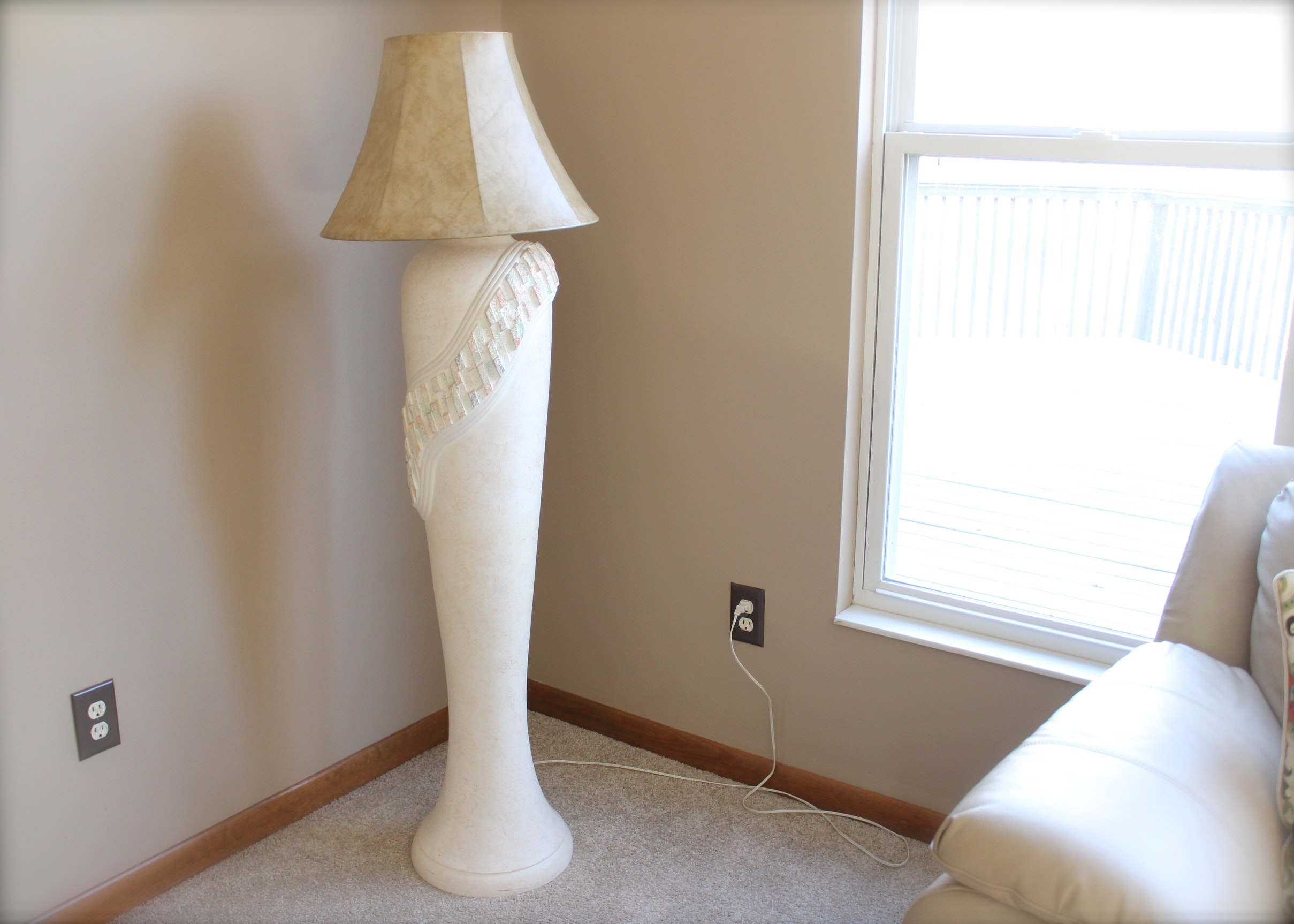 White Ceramic Floor Lamp Ebth