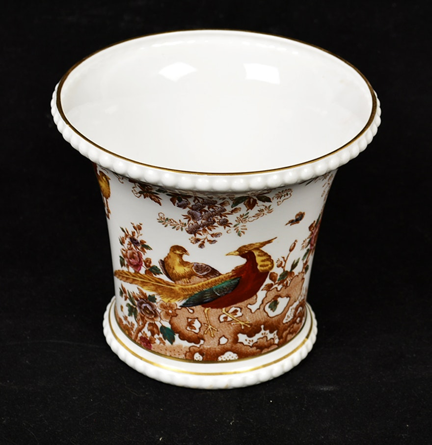 olde avesbury royal crown derby english bone china vase ebth. Black Bedroom Furniture Sets. Home Design Ideas