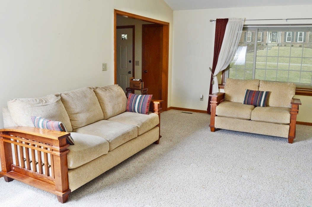 Mission Style Oak Sofa And Loveseat Ebth