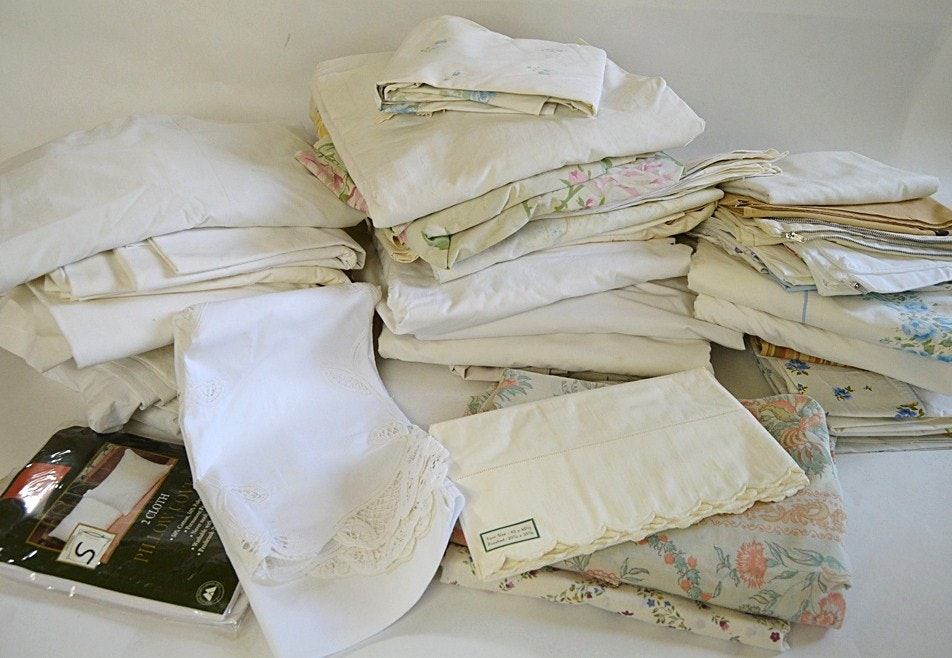 Vintage Bed Linens With Pillowcases, Sheets ...