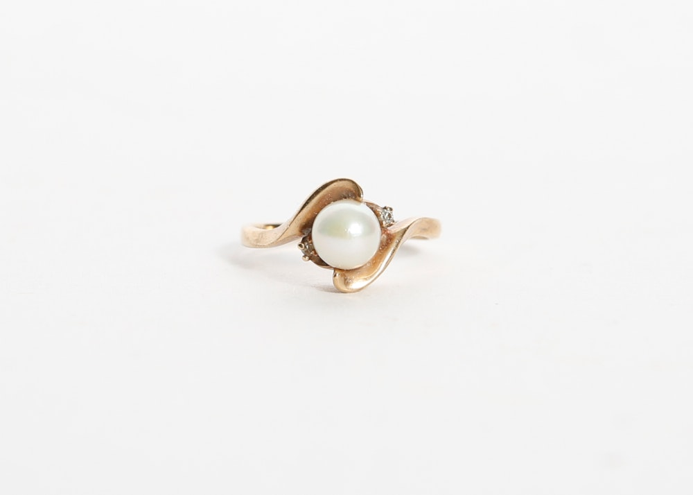 10k Gold Pearl and Diamond Ring