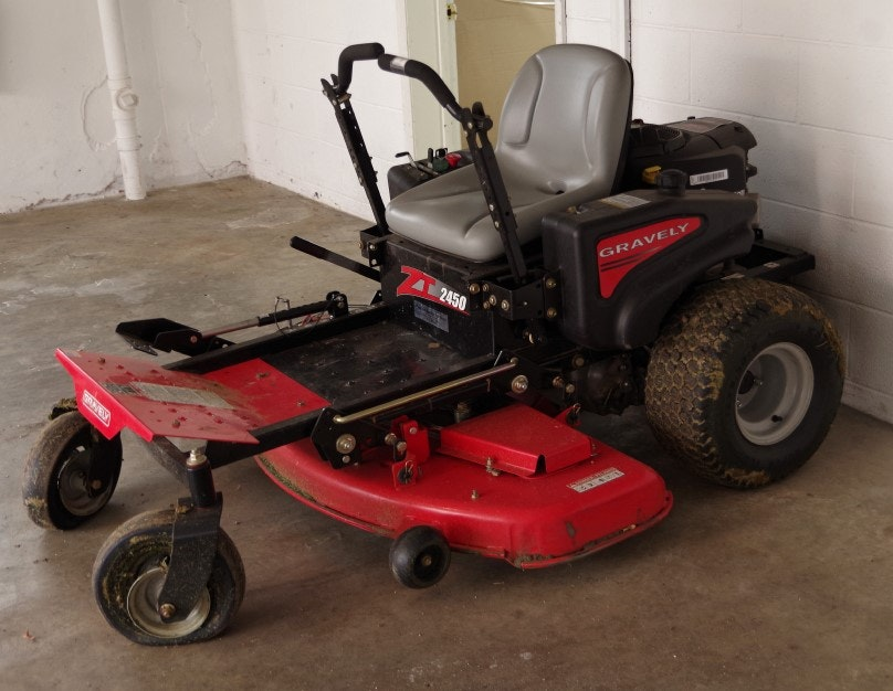 Gravely Riding Lawnmower Extended Life Series with V-Turn