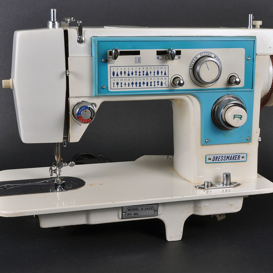 Dressmaker S40 Sewing Machine With Case EBTH Best Dressmaker Special Sewing Machine