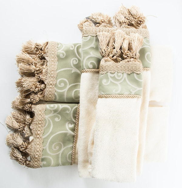 Who Sells Cannon Bath Towels: Set Of New Bath Towels By Croscill Home. : EBTH