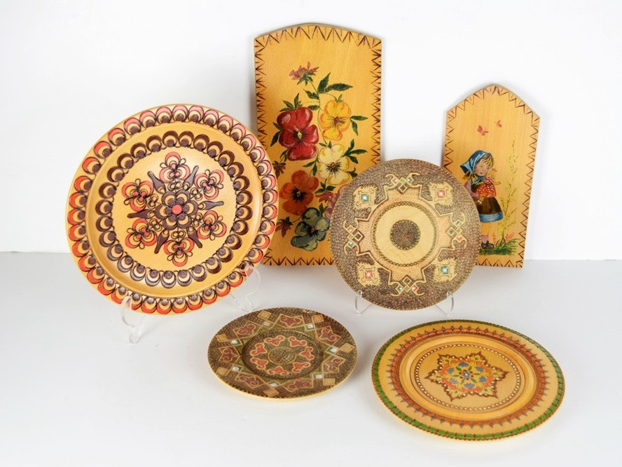 Decorative Carved Wooden Plates from Albania and Germany ... & Decorative Carved Wooden Plates from Albania and Germany : EBTH