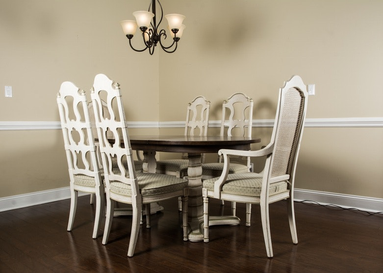 Henredon Fine Furniture Dining Table And Six Chairs ...
