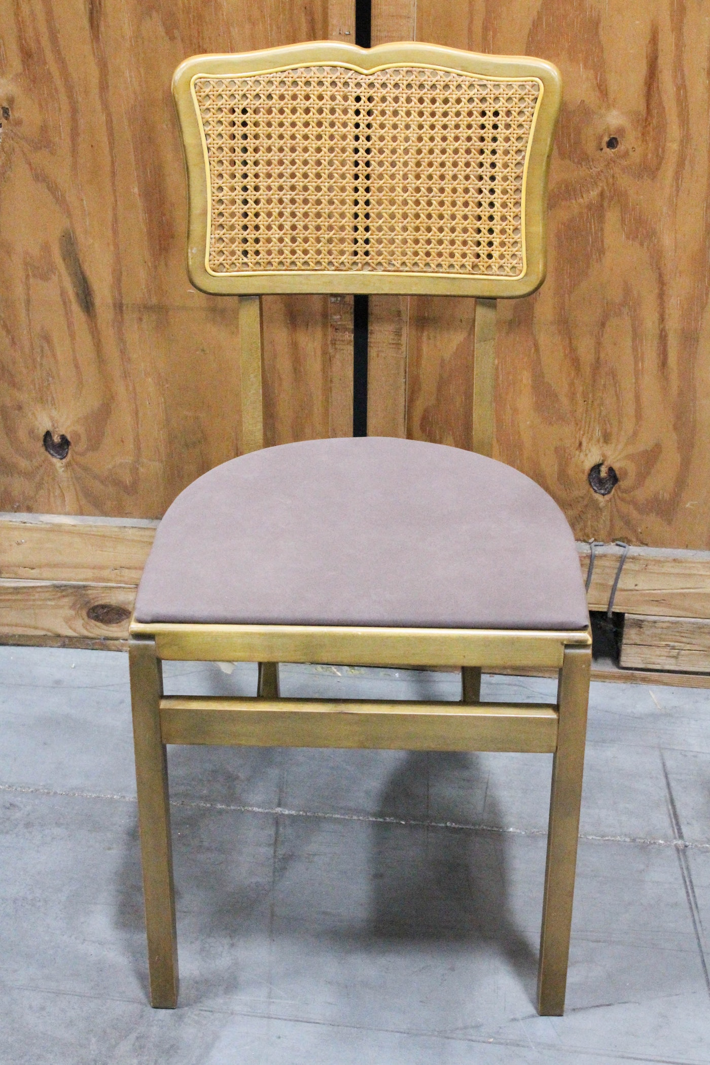 Vintage Stakmore Folding Table And Chairs Ebth