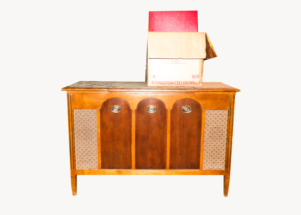 Vintage Turntable Cabinet with Records : EBTH