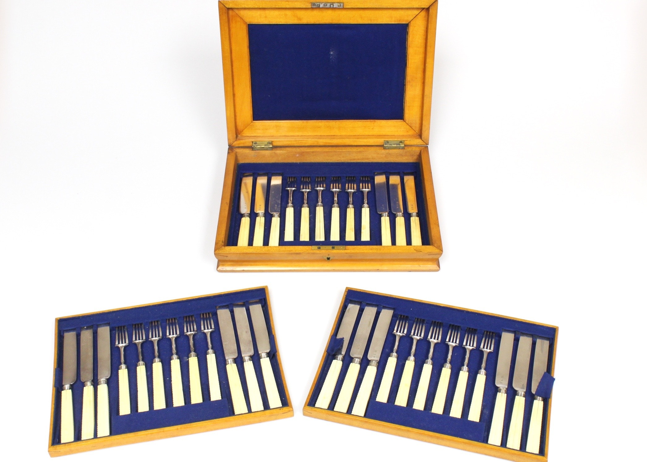 IMG 6248.jpg?ixlib=rb 1.1 - Lovely Ivory Handled Knives Antique