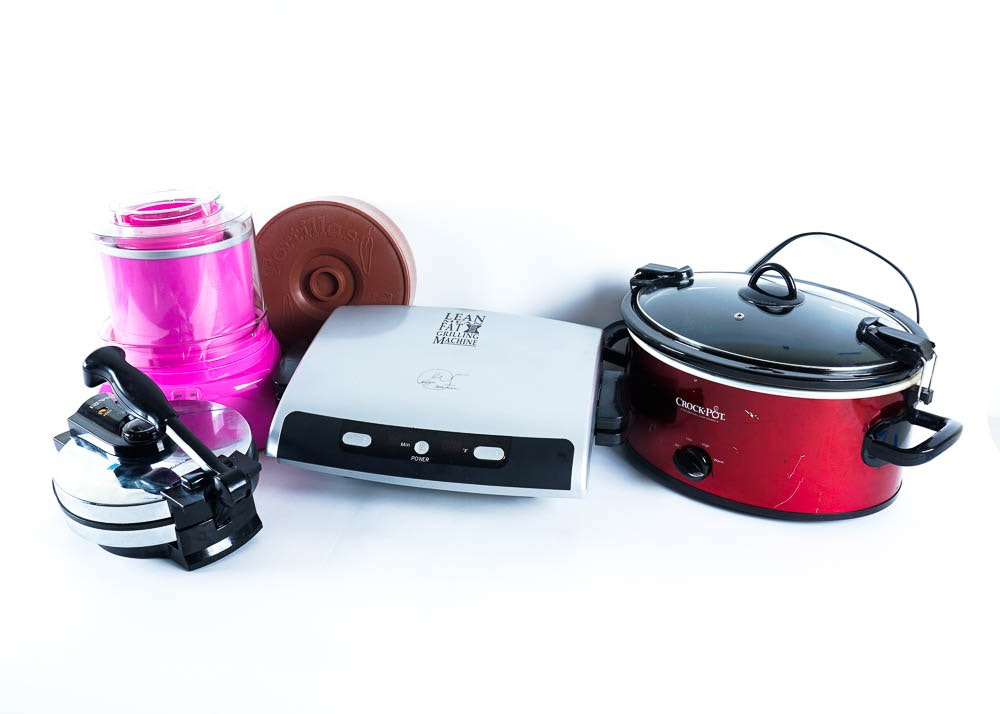 small electronic kitchen appliance collection ebth smeg back to the 50 s retro collection of small appliances