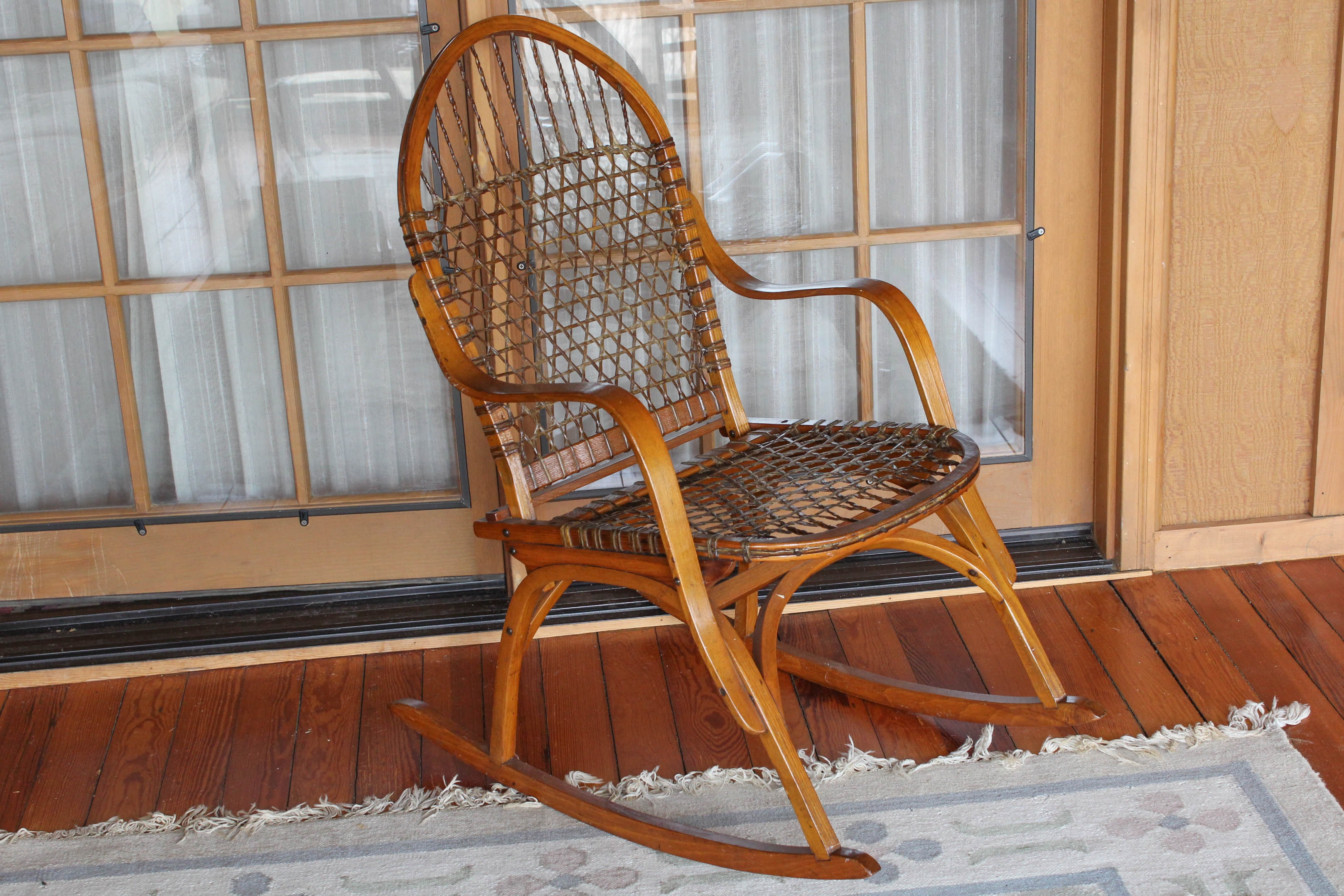 Nice Vintage Vermont Tubbs Oak And Rawhide Snowshoe Chair ...