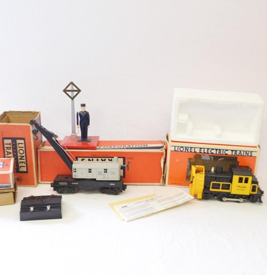 Post War Modern Era Lionel Electric Train Cars