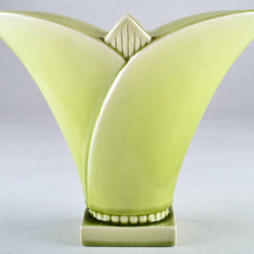1953 Rookwood Pottery Flower Shaped Vase Ebth
