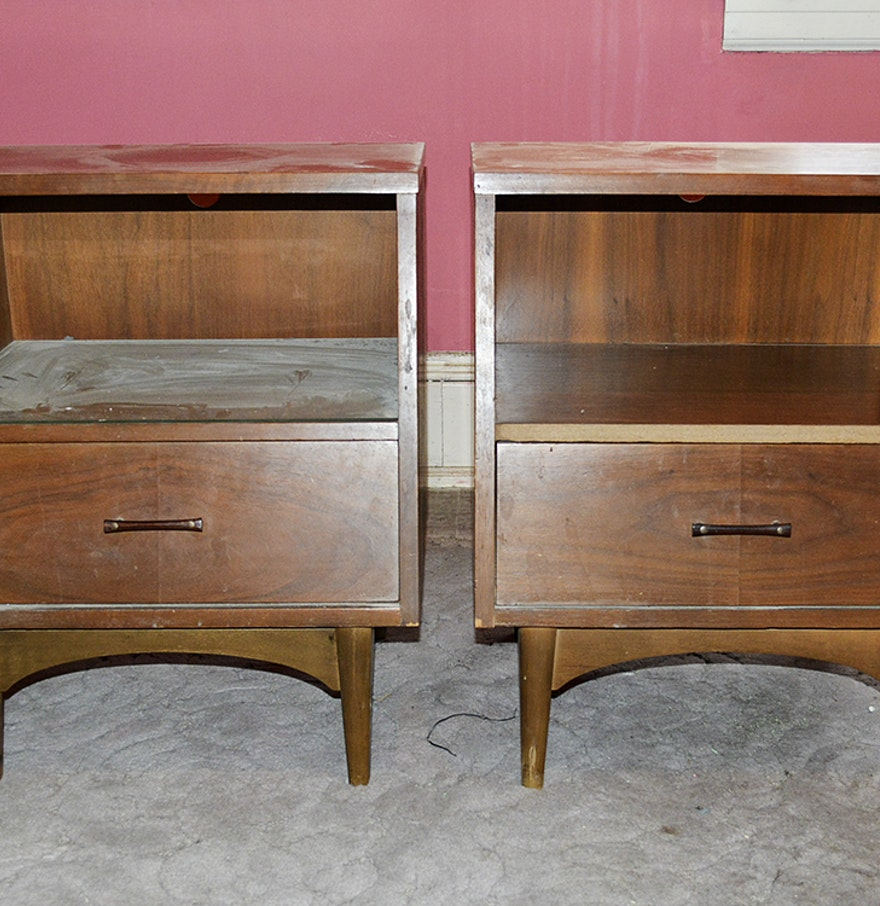 Kroehler Bedroom Furniture Mid Century Modern Style Walnut Nightstands By Kroehler Ebth