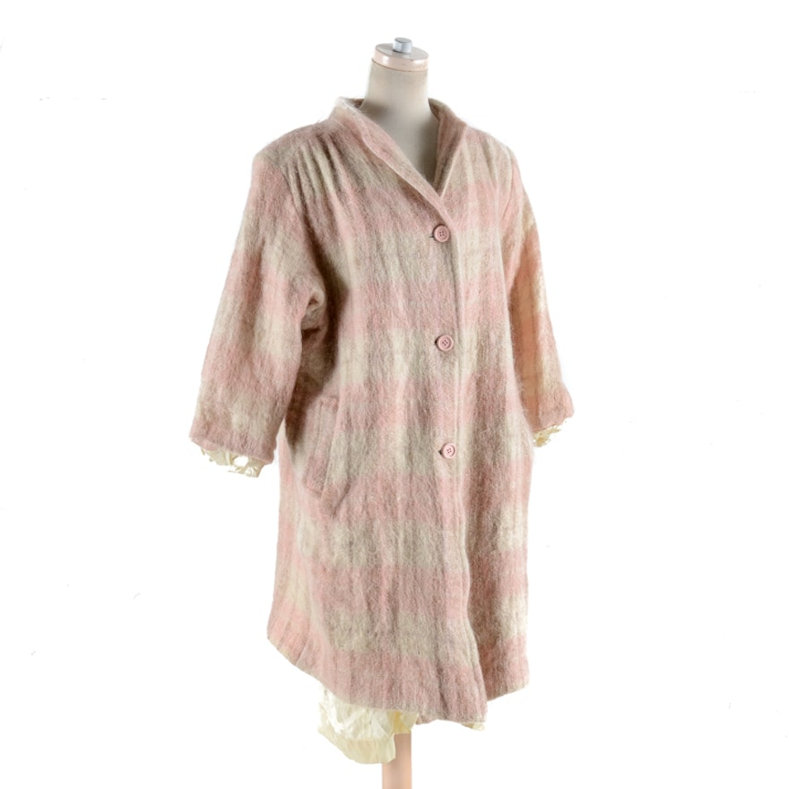 3df9bff143 1970s Vintage Designed For Singers Pink and White Mohair Coat   EBTH
