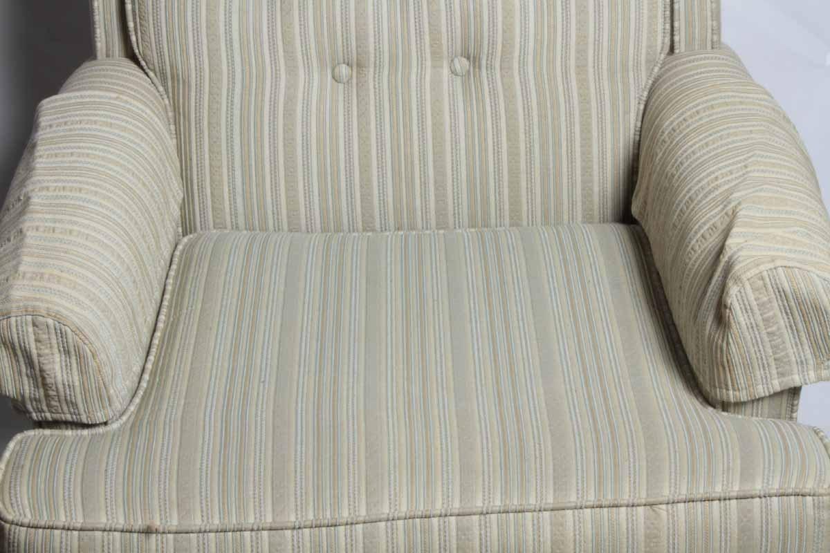 Cushioned Armchair With Ottoman Ebth
