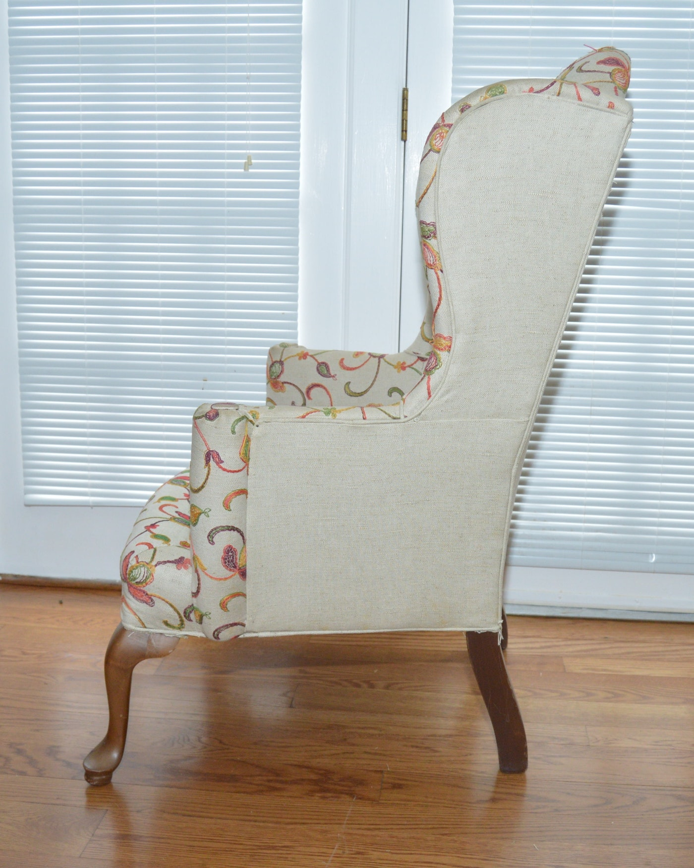 Queen anne style upholstered wingback chair ebth for Queen anne style