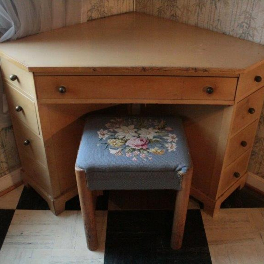 Vintage Corner Desk and Stool ... - Vintage Corner Desk And Stool : EBTH