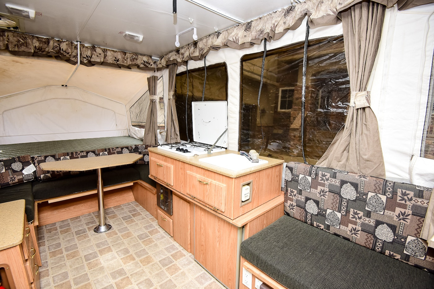 Rockwood Pop Up >> 2006 Rockwood Freedom Pop Up Camper : EBTH