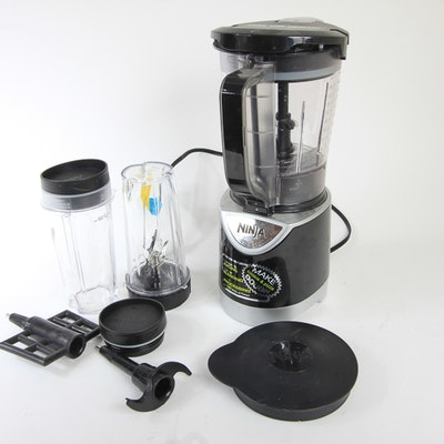Vintage kitchen appliances auctions used kitchen for What brand of blender is used on the chew