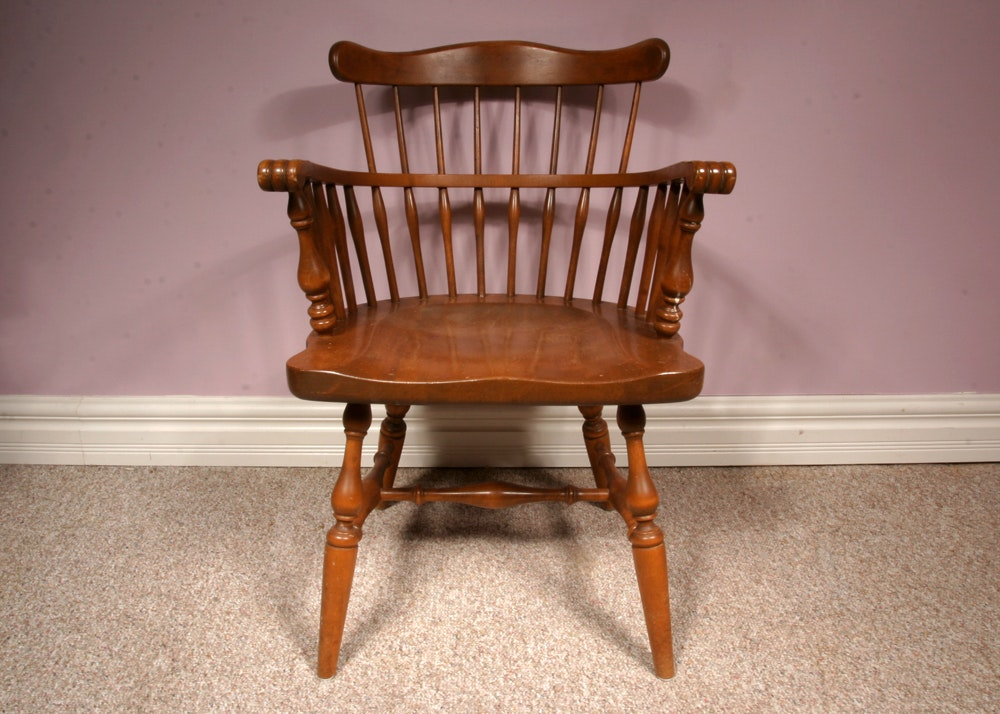 Superbe Ethan Allen Maple Curved Spindle Back Windsor Style Captain Chair ...