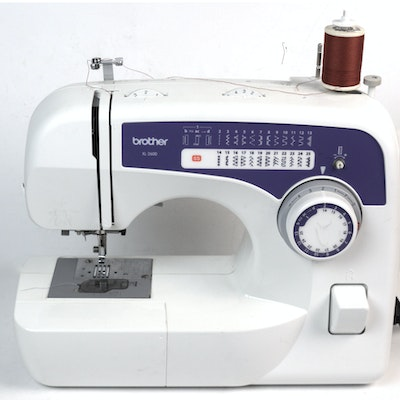 Vintage sewing machines for sale vintage craft supplies for Machine a coudre xl 2600 brother