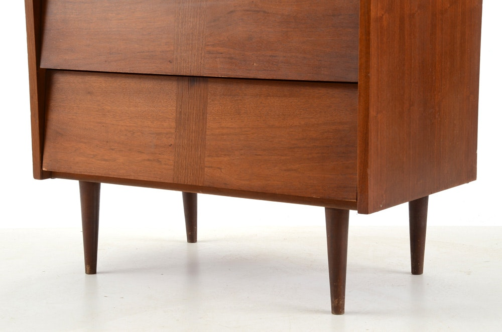 mid century modern ward furniture walnut chest ebth. Black Bedroom Furniture Sets. Home Design Ideas