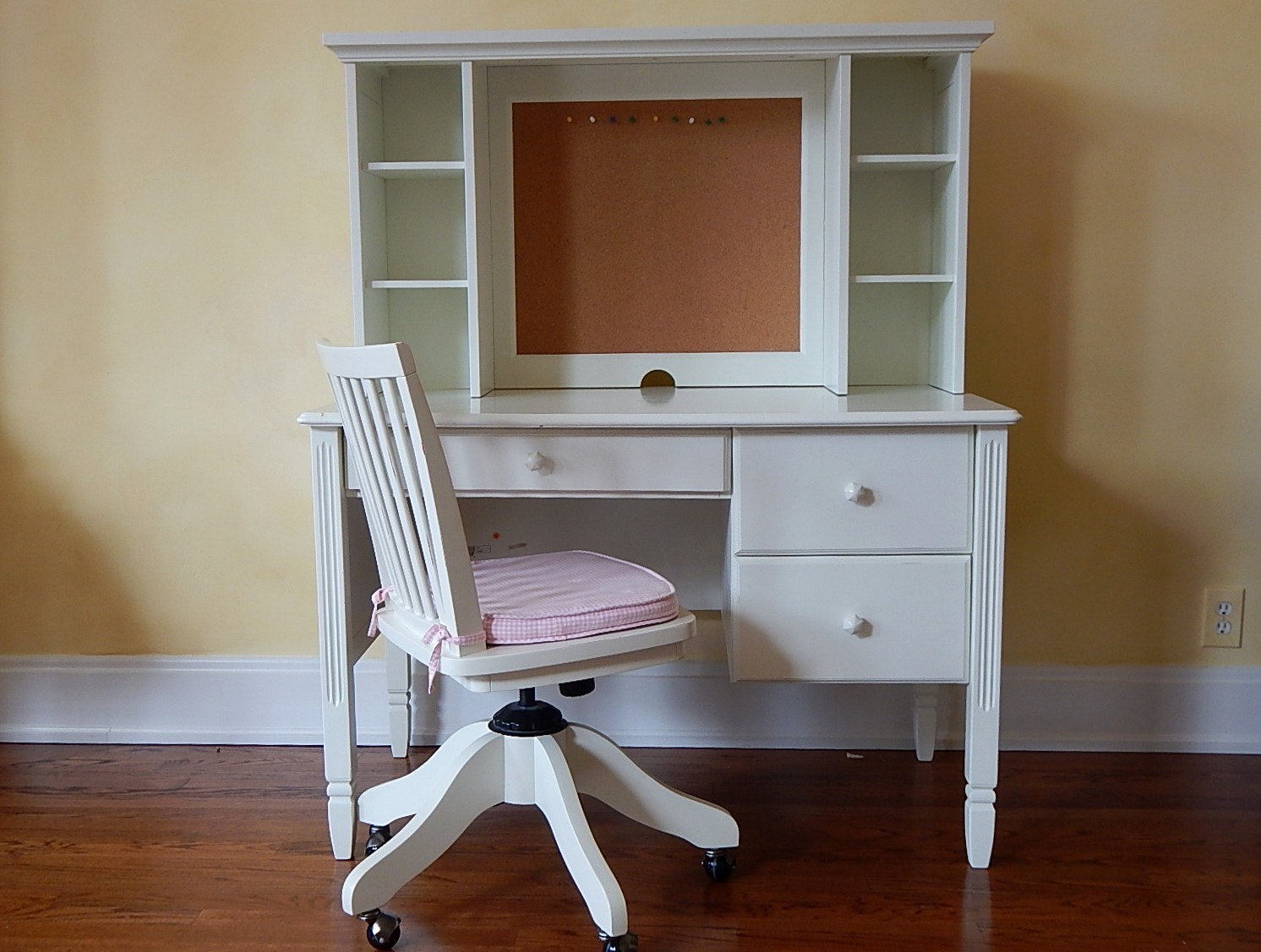 Pottery Barn Kids White Desk, Hutch, And Chair : EBTH