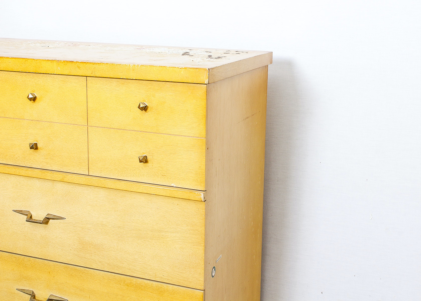 Kroehler Furniture Mid Century Style Chest Of Drawers Ebth