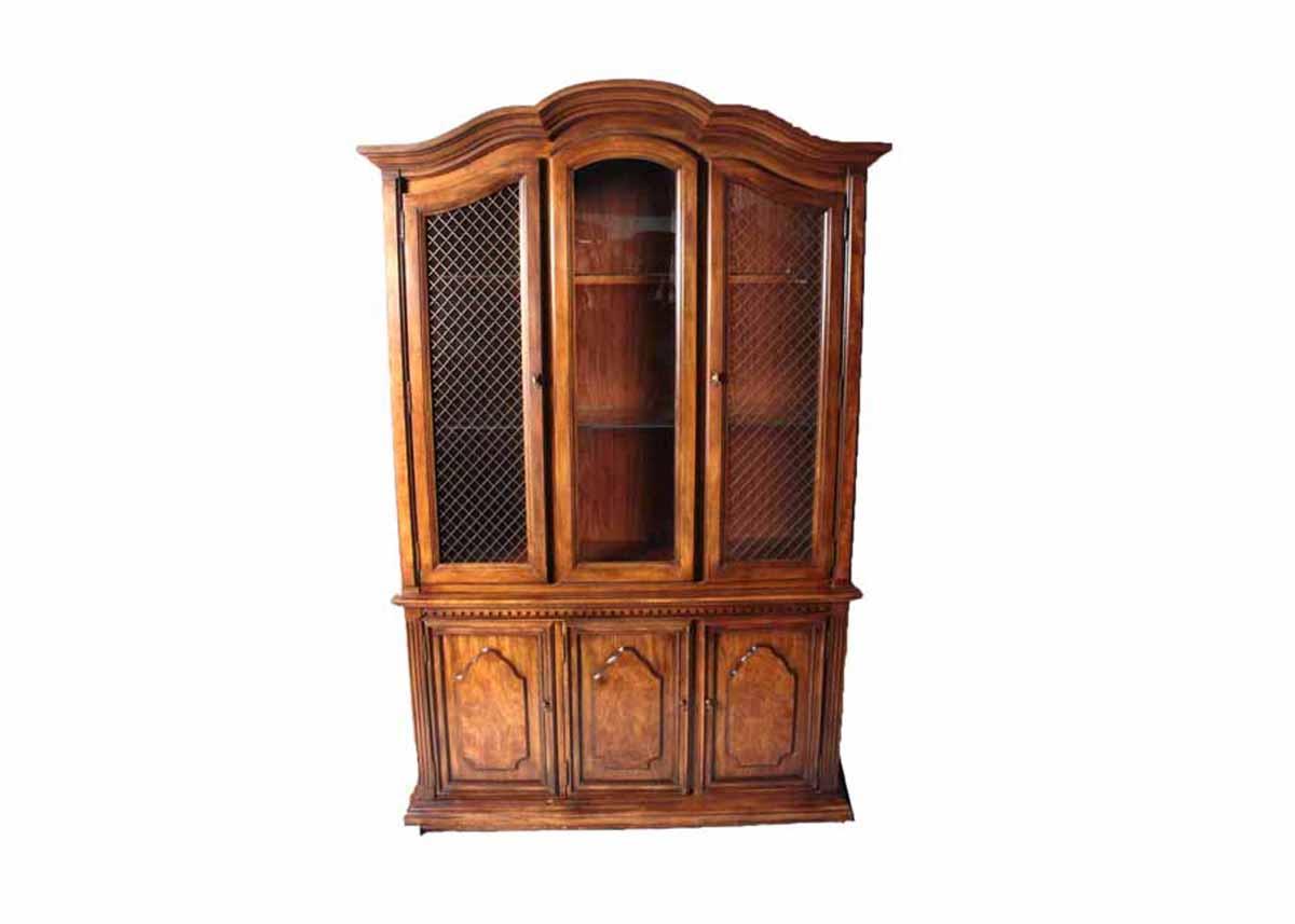 Vintage Stanley China Cabinet : EBTH