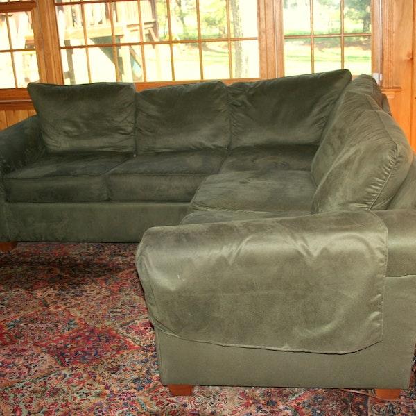 Dark green microfiber sectional sofa ebth for Dark green sectional sofa