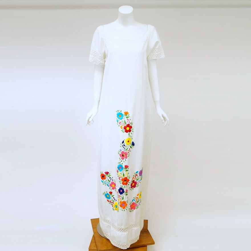 1960s Hand Embroidered Mexican Wedding Dress : EBTH