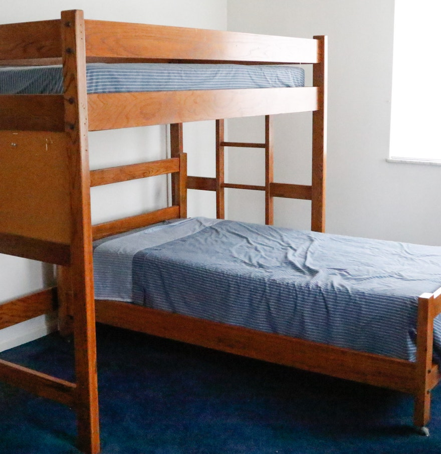 Young Hinkle Outrigger Twin Bunk Beds. Young Hinkle Outrigger Twin Bunk Beds   EBTH