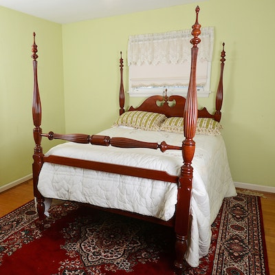 Vintage bed auction used beds and bedding for sale in for Traditional four poster beds