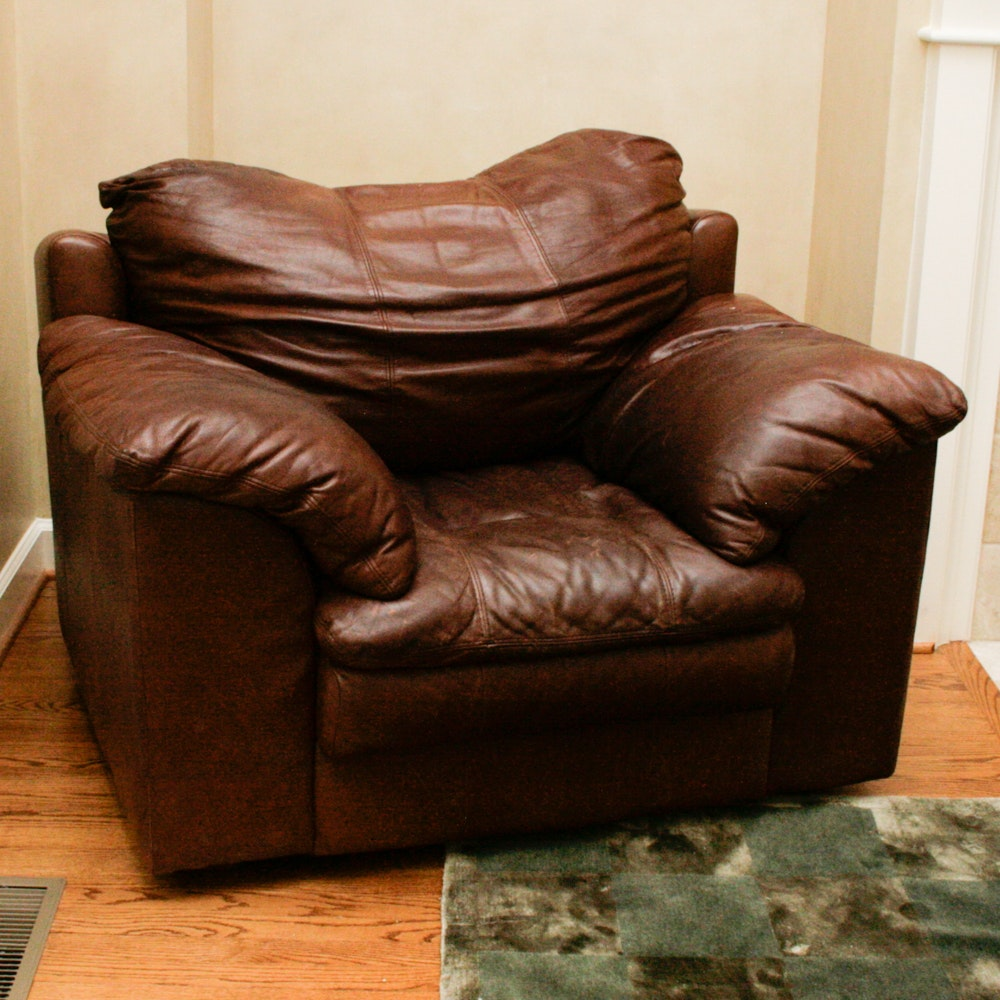 Charmant Oversized Brown Leather Chair ...