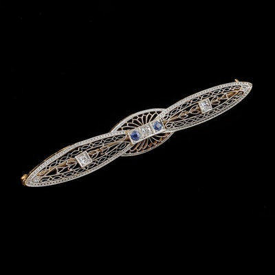 Late 19th Century Platinum and 14K Gold Blue Sapphire and Diamond Filigree Bar Pin