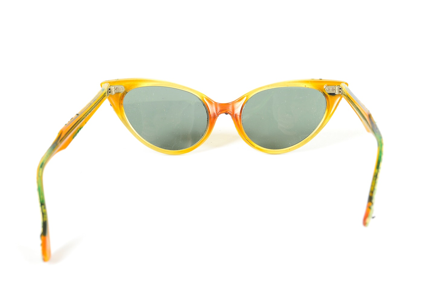 0b994142e11 White Ray Bans With Yellow Insides « Heritage Malta