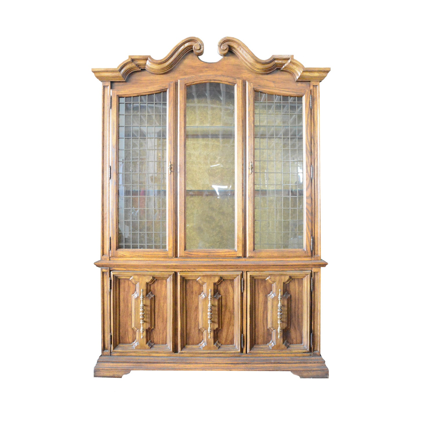 Bon Vintage Stanley Furniture Wooden China Cabinet ...