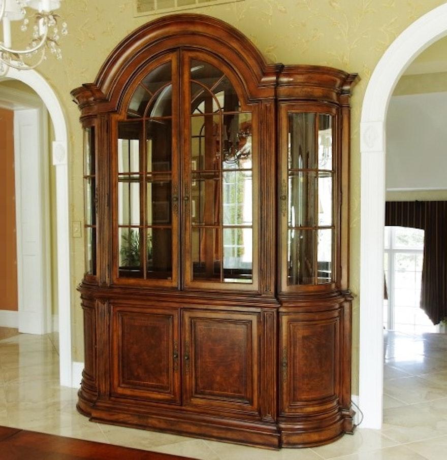 Universal Furniture Villa Cortina China Cabinet Ebth