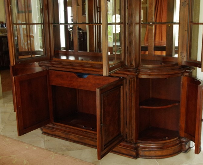 Villa Cortina Bedroom Furniture: Universal Furniture Villa Cortina China Cabinet : EBTH