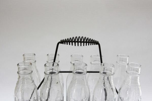 Ten Vintage Shell Penn Glass Motor Oil Bottles With Metal