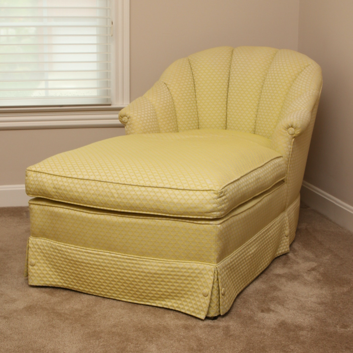 Channel Back Chaise Lounger