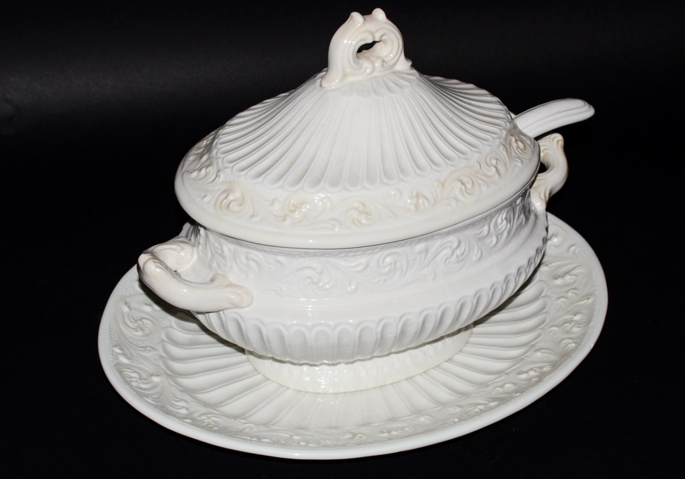 Lenox Butler S Pantry Soup Tureen And Under Plate Ebth