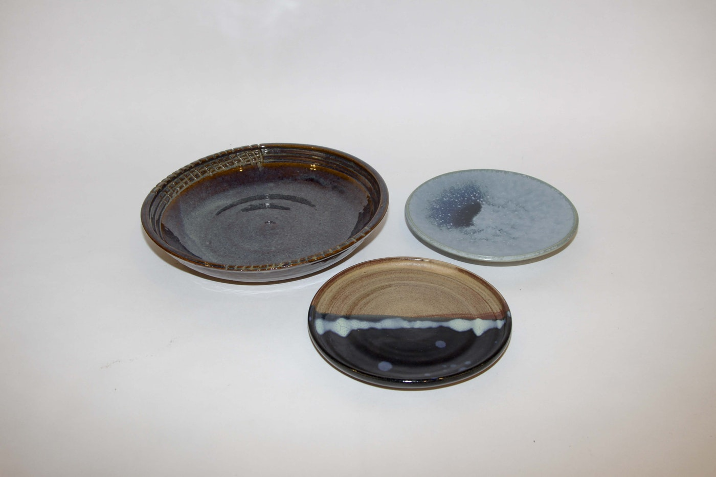 Hand Thrown Stoneware Serving Plates Ebth