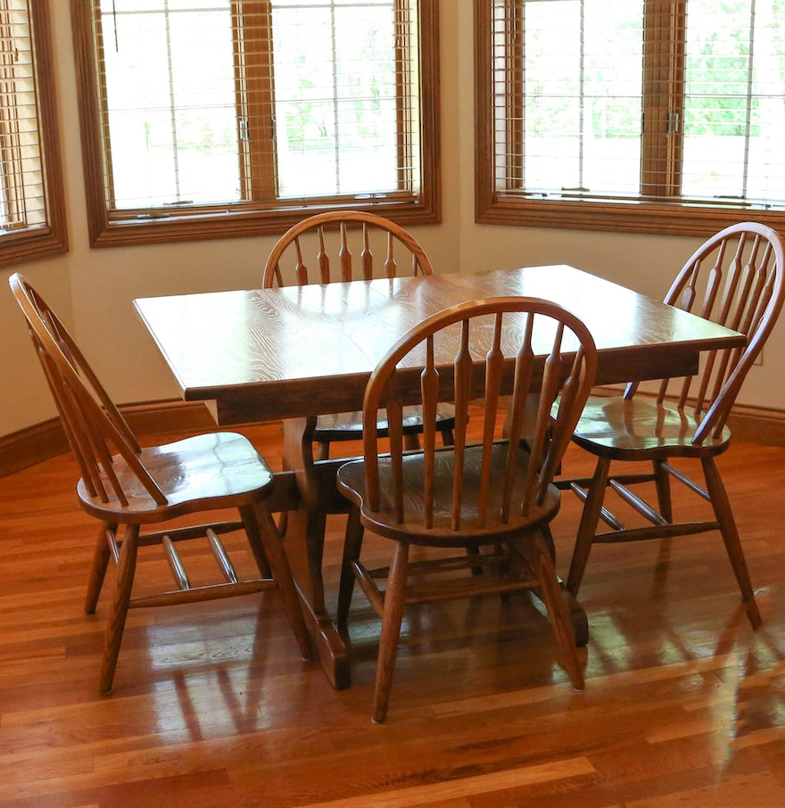 Amish made oak dining table and chairs with two leaves ebth